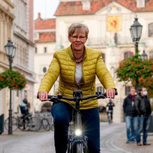 Monika Scherf - Zur Person