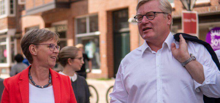 Dr. Bernd Althusmann zu Gast in Lüneburg beim Wahlkampfstand der CDU